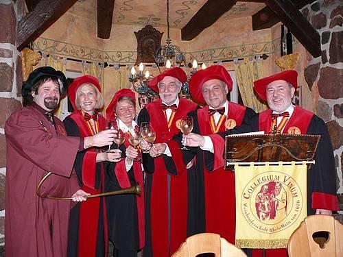 333. Ordenstag des COLLEGIUM VINUM Gisela Vorgang ist vierte Frau in der Weinbruderschaft