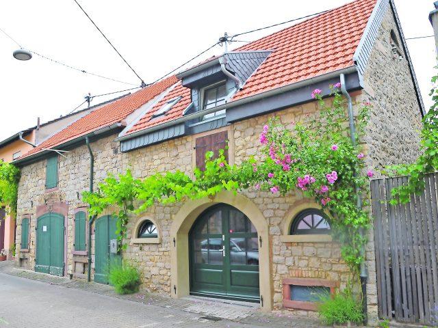 Weinbruderschaft öffnet neue Kanzlei in Rheinhessen